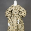 GEOMETRIC PRINTED COTTON DRESS & PELERINE, 1830s