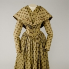 PRINTED FLORAL WOOL DRESS & PELERINE, 1848-1852