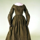 DARK OLIVE GREEN SILK DAY DRESS, 1838-1842